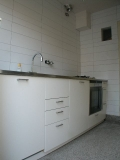 1001.nieuwe keuken op oude granito vloer