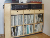 115.stereo platen kast.berken