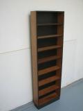 117.boekenkastje.mdf zwart.kersen